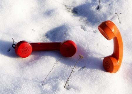 conversation-in-snow